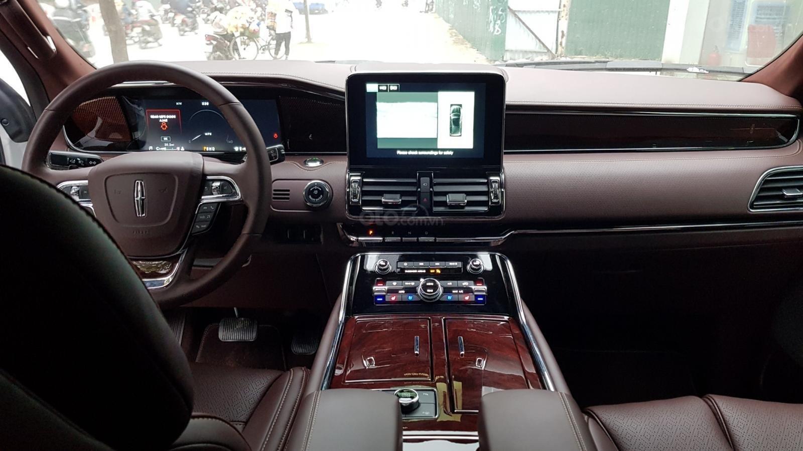 Cần bán xe Lincoln Navigator L Black Label sản xuất năm 2019, màu trắng, nhập khẩu nguyên chiếc (8)