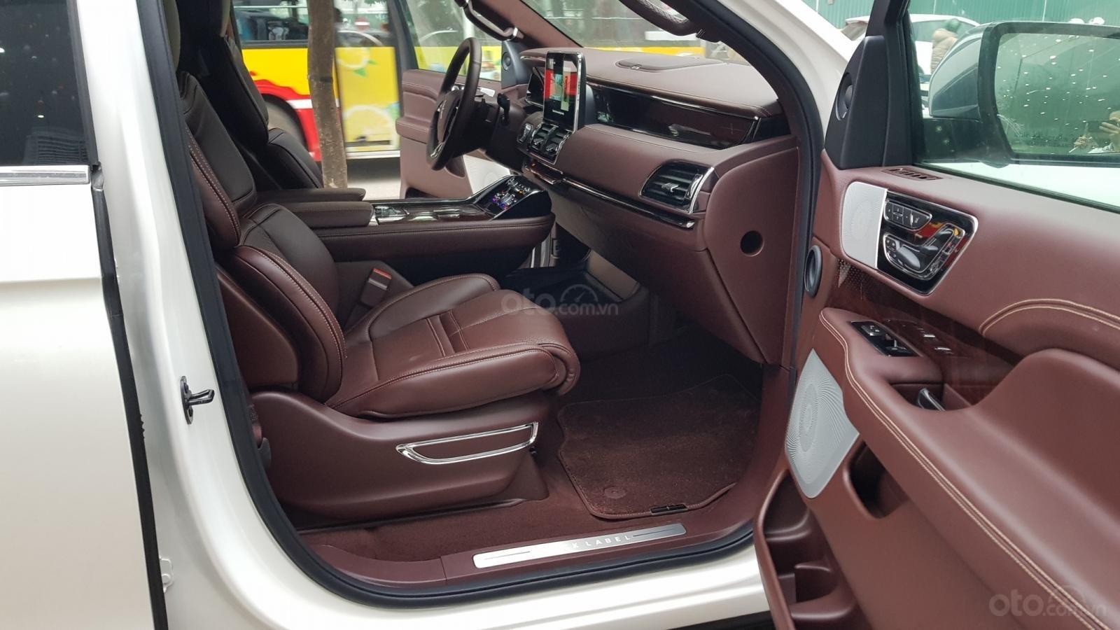 Cần bán xe Lincoln Navigator L Black Label sản xuất năm 2019, màu trắng, nhập khẩu nguyên chiếc-9