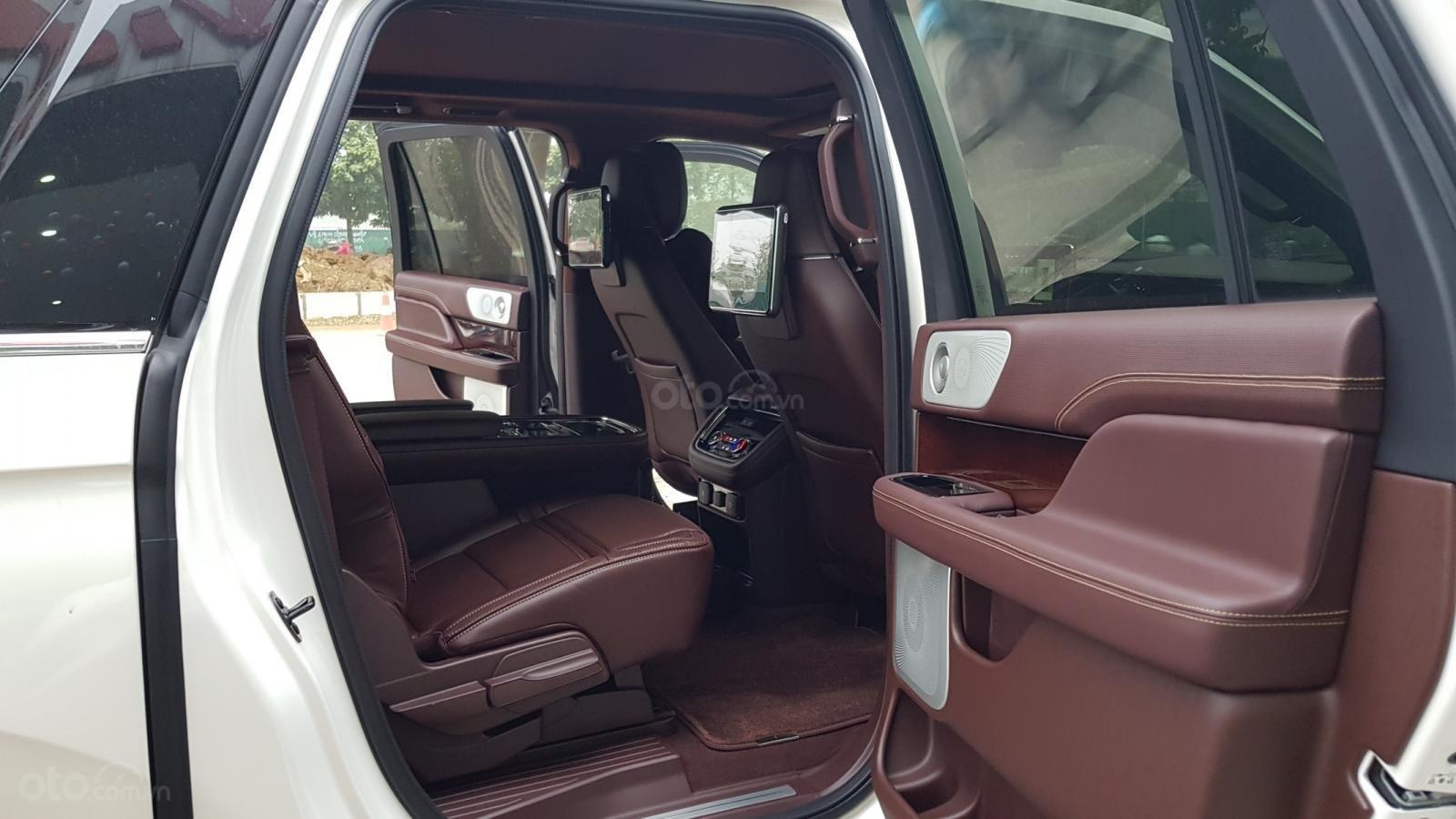 Cần bán xe Lincoln Navigator L Black Label sản xuất năm 2019, màu trắng, nhập khẩu nguyên chiếc (11)