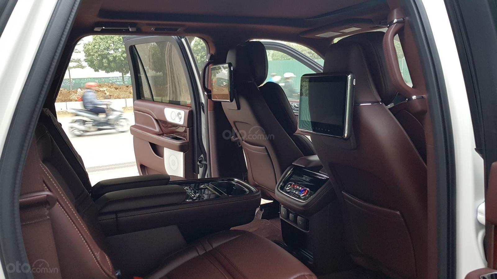 Cần bán xe Lincoln Navigator L Black Label sản xuất năm 2019, màu trắng, nhập khẩu nguyên chiếc (12)
