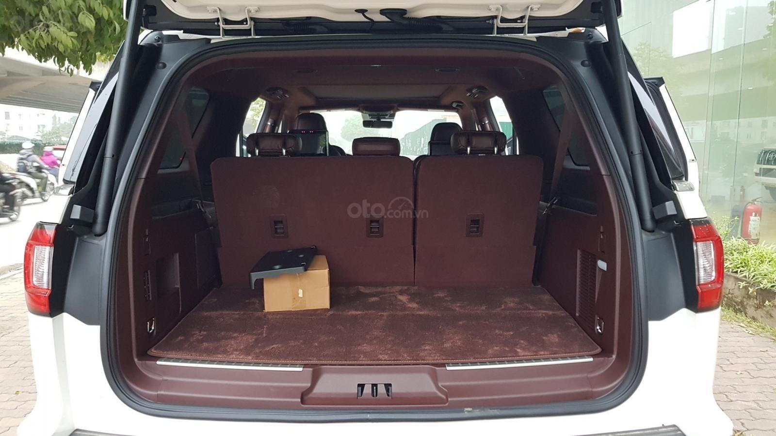 Cần bán xe Lincoln Navigator L Black Label sản xuất năm 2019, màu trắng, nhập khẩu nguyên chiếc-13