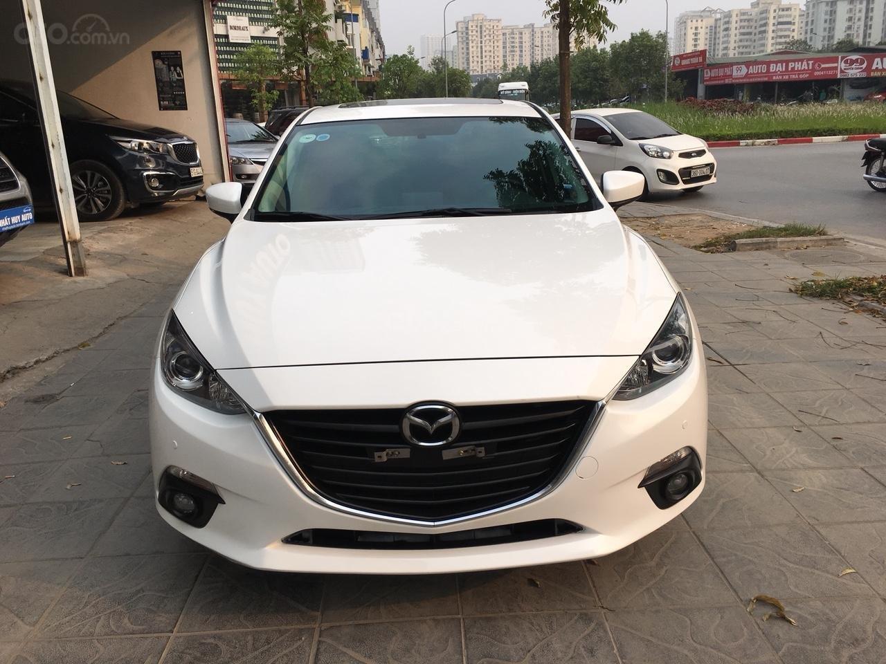 Cần bán xe Mazda 3 1.5 AT năm sản xuất 2017, màu trắng giá cạnh tranh-1