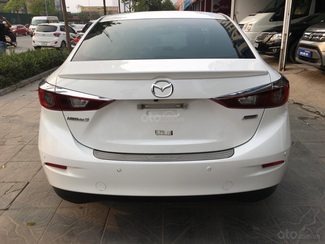 Cần bán xe Mazda 3 1.5 AT năm sản xuất 2017, màu trắng giá cạnh tranh-2