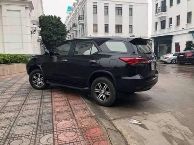 Bán xe Toyota Fortuner màu đen, máy xăng, số tự động, xe nhập, sản xuất 2017, đăng ký lần đầu tháng 8/2017-0