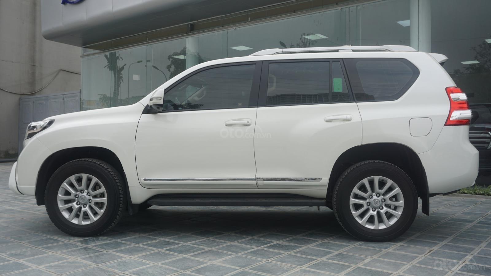 Bán Toyota Land Cruiser Prado 2017, màu trắng, nhập khẩu, LH em Hương 0945392468 (18)