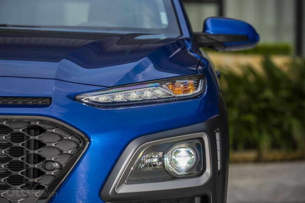 Đánh giá xe Hyundai Kona 2018 4