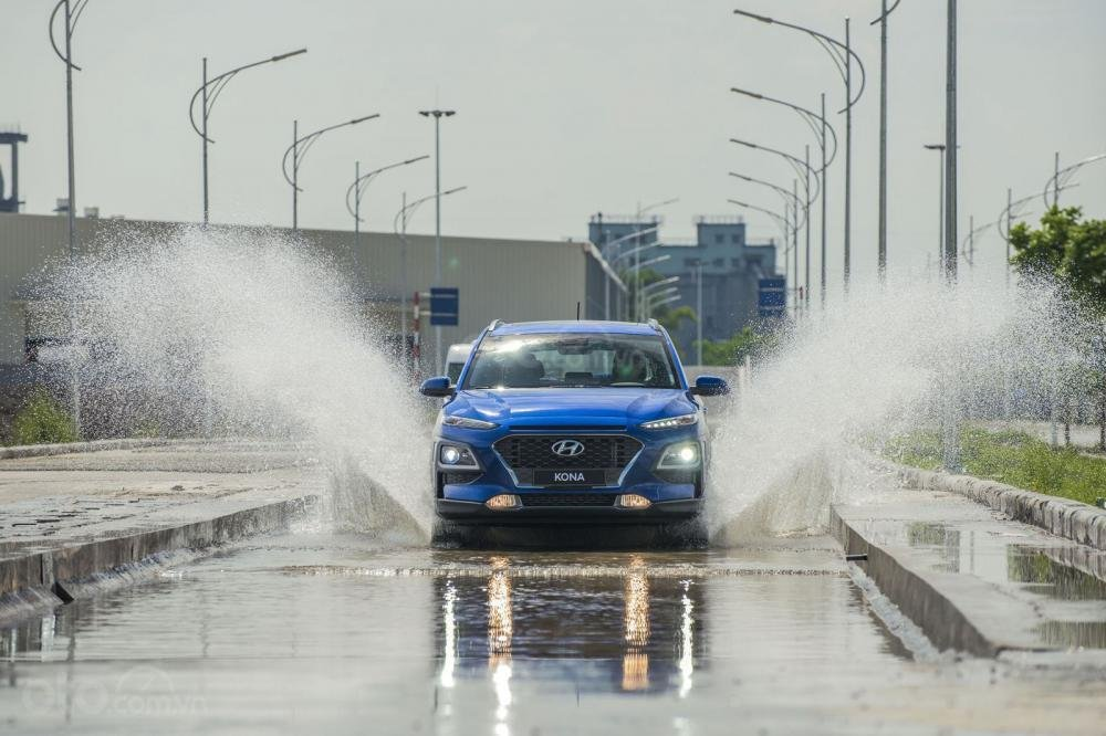 Đánh giá xe Hyundai Kona 2018 17