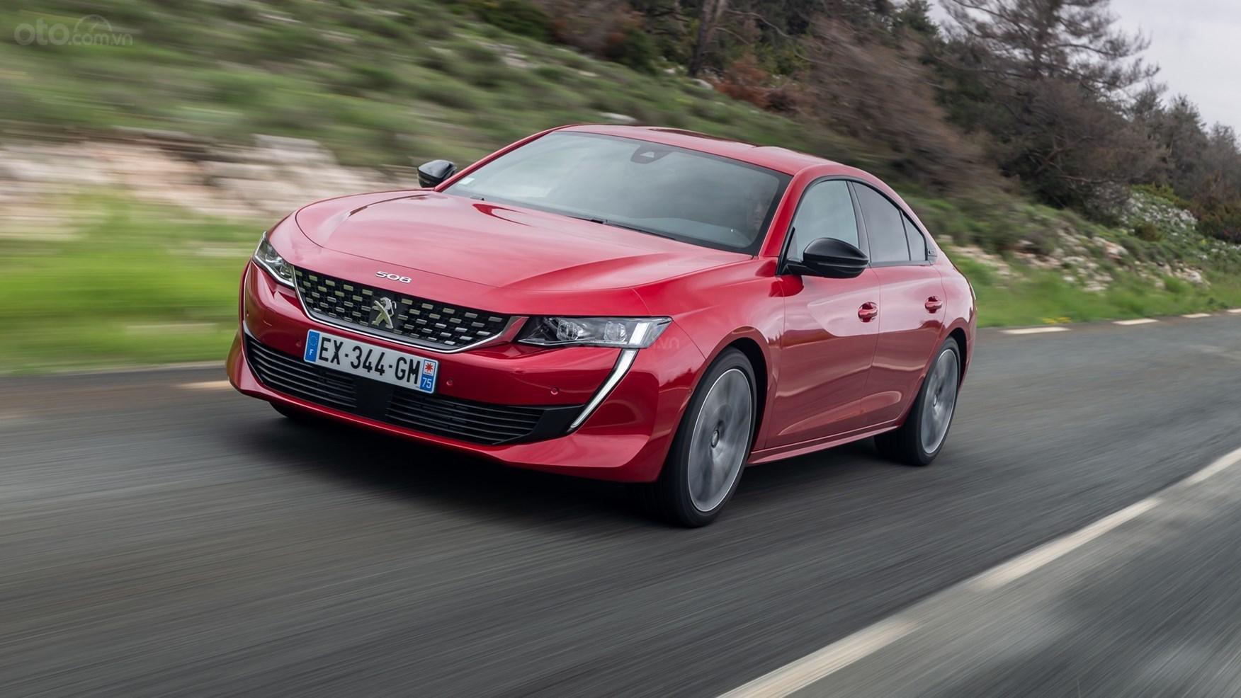 Peugeot 508 2019 màu đỏ