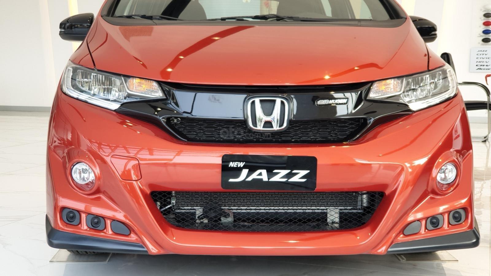 Bán Honda Jazz RS Mugen, khuyến mãi hết Ga + thay nhớt miễn phí 1 năm, dán kính toàn xe hoặc 40tr-1