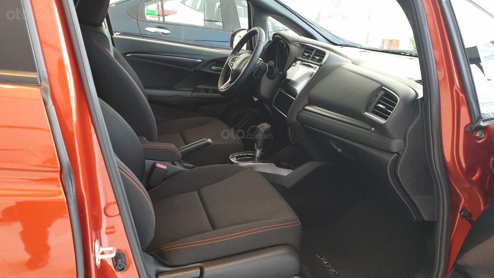Bán Honda Jazz RS Mugen, khuyến mãi hết Ga + thay nhớt miễn phí 1 năm, dán kính toàn xe hoặc 40tr-3