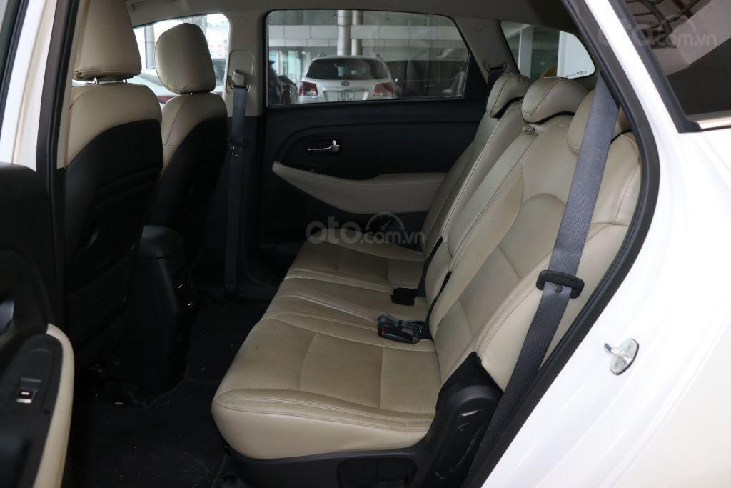 Bán Kia Rondo 2.0AT đời 2017, màu trắng giá cạnh tranh-7