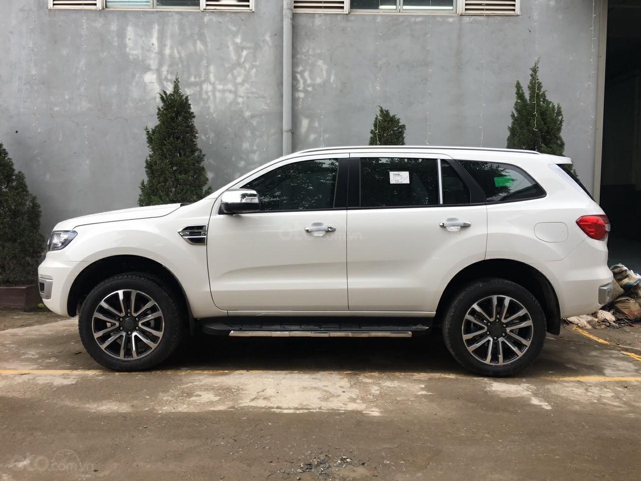 Ford An Đô 0974286009 bán Ford Everest 2.0 Biturbo đủ màu giao ngay, giá tốt nhất VBB. LH 0974286009-1