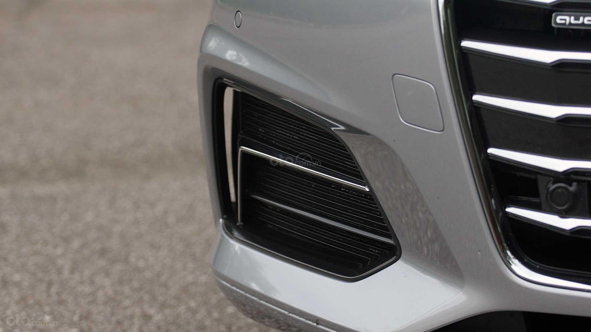 Đánh giá xe Audi A5 2019 - hốc hút gió đầu xe
