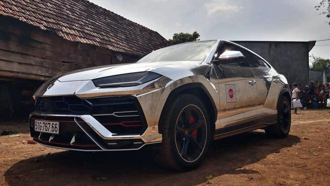 Lamborghini Urus của Minh Nhựa