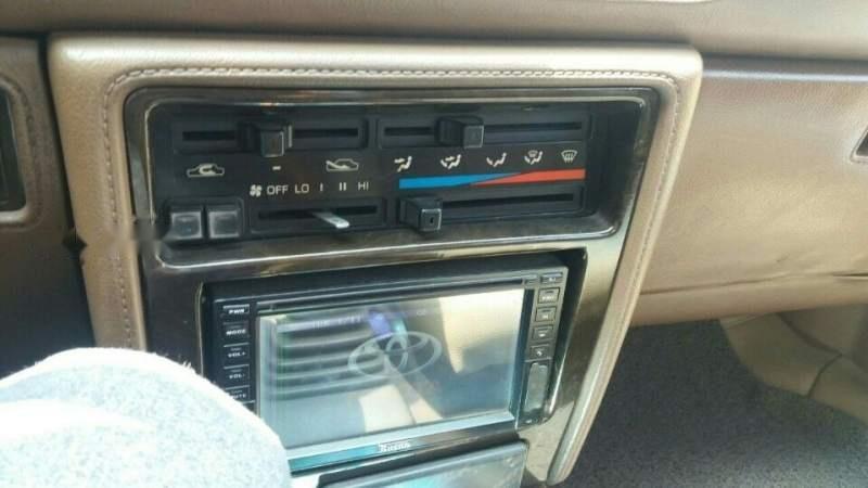 Cần bán gấp Toyota Camry sản xuất 1987, xe vẫn dùng bình thường-3
