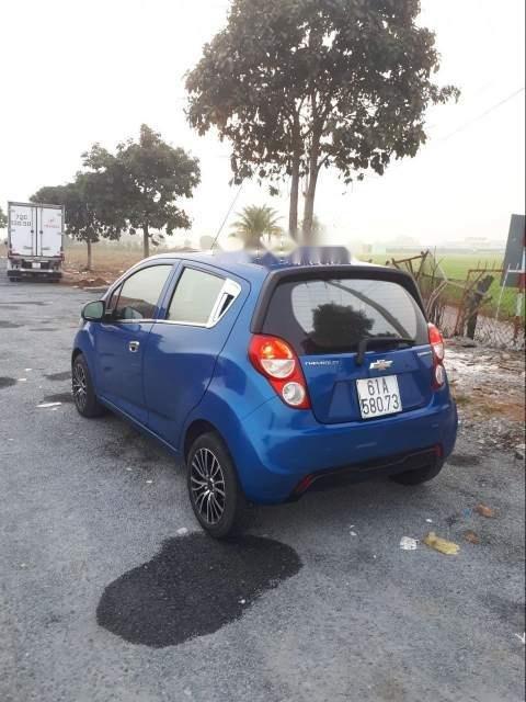 Bán Chevrolet Spark năm 2015, màu xanh lam còn mới  (4)