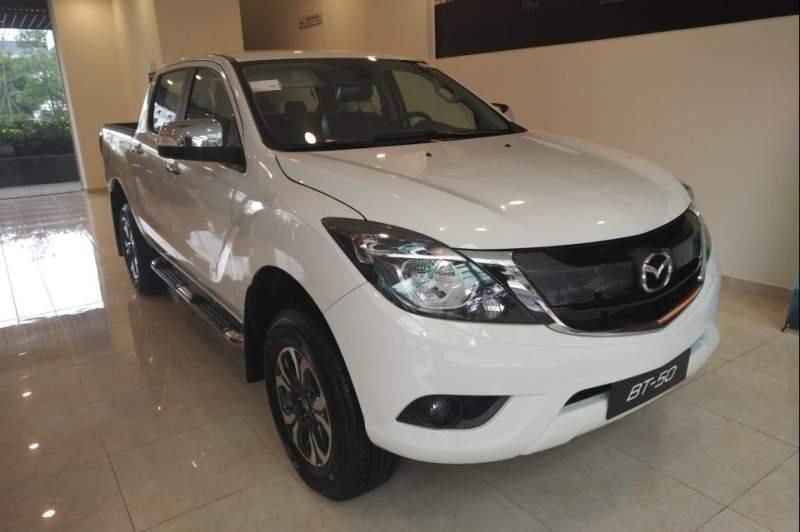 Bán xe Mazda BT 50 đời 2019, màu trắng, xe nhập, 585tr (1)