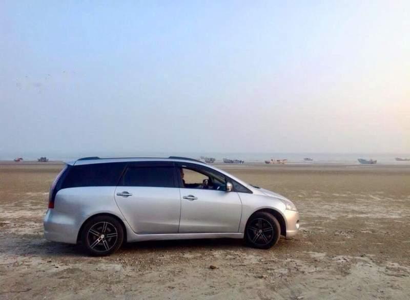 Cần bán xe Mitsubishi Grandis 2009, màu bạc số tự động -0