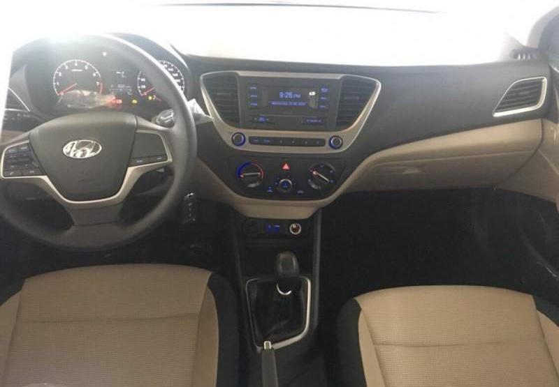 Cần bán xe Hyundai Accent năm 2019, màu trắng-4