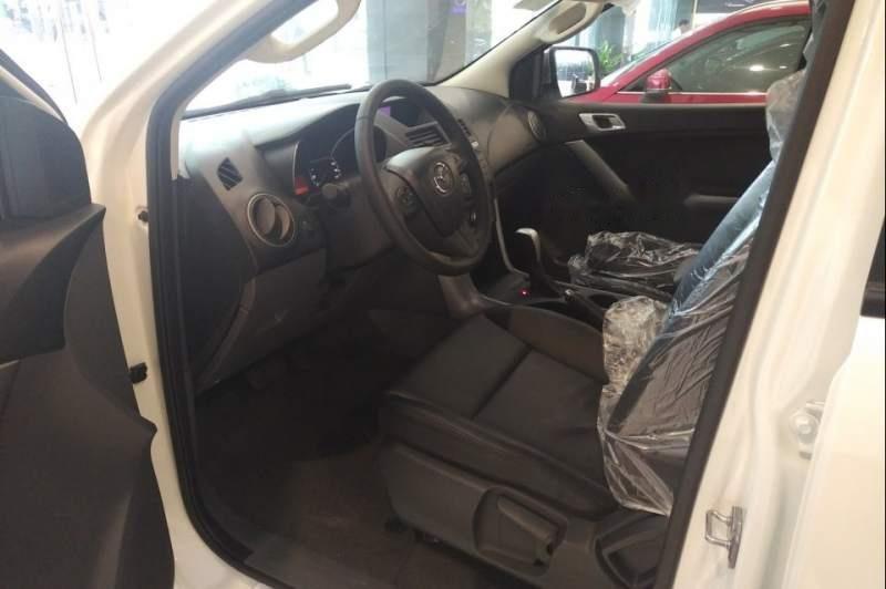 Bán xe Mazda BT 50 đời 2019, màu trắng, xe nhập, 585tr (5)