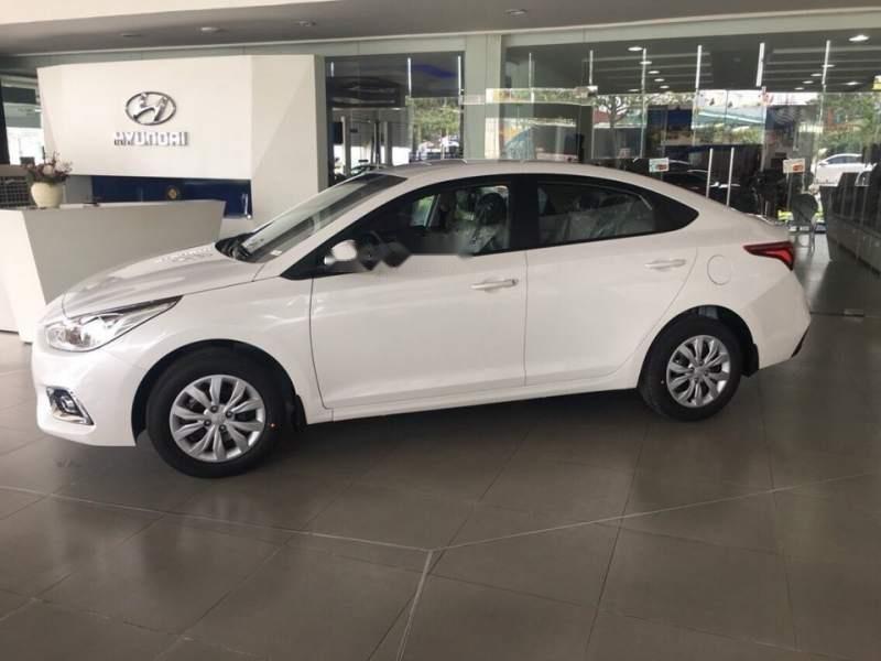 Cần bán xe Hyundai Accent năm 2019, màu trắng-0