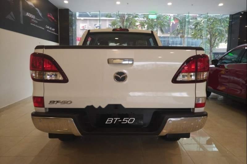 Bán xe Mazda BT 50 đời 2019, màu trắng, xe nhập, 585tr (4)