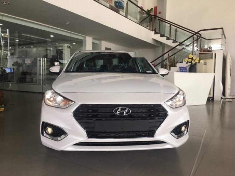 Cần bán xe Hyundai Accent năm 2019, màu trắng-2