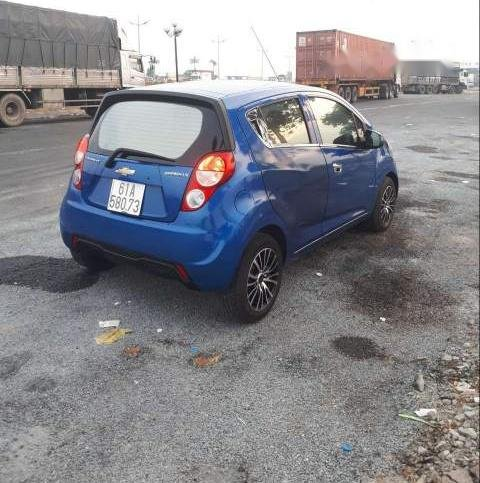 Bán Chevrolet Spark năm 2015, màu xanh lam còn mới  (3)