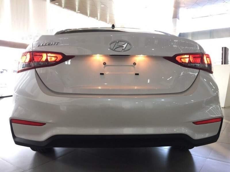 Cần bán xe Hyundai Accent năm 2019, màu trắng-3