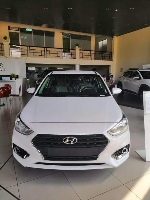 Bán Hyundai Accent sản xuất năm 2019, màu trắng, giá tốt-0