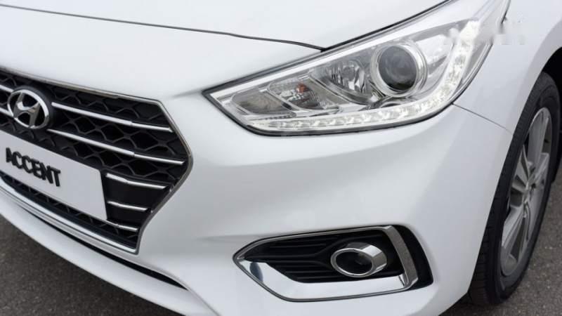 Bán Hyundai Accent sản xuất năm 2019, màu trắng, giá tốt-4