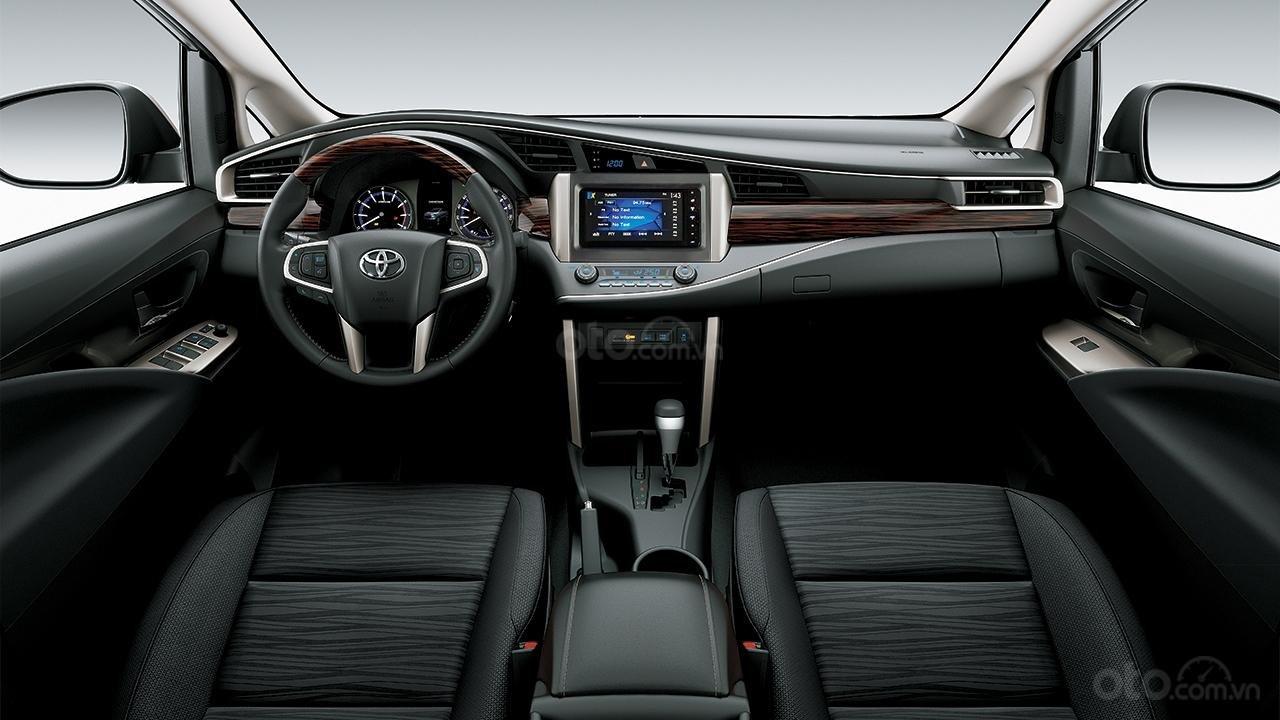 Xe Toyota Innova khuyến mại cực khủng tặng, bảo hiểm thân vỏ, hỗ trợ trả góp 80% giá trị xe-6