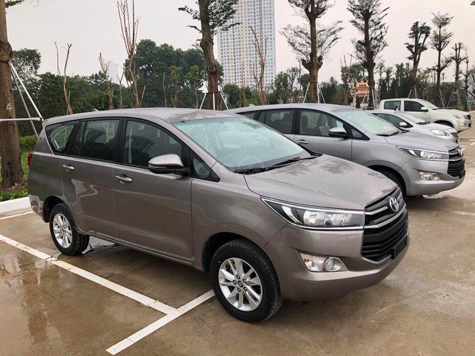 Xe Toyota Innova khuyến mại cực khủng tặng, bảo hiểm thân vỏ, hỗ trợ trả góp 80% giá trị xe-4