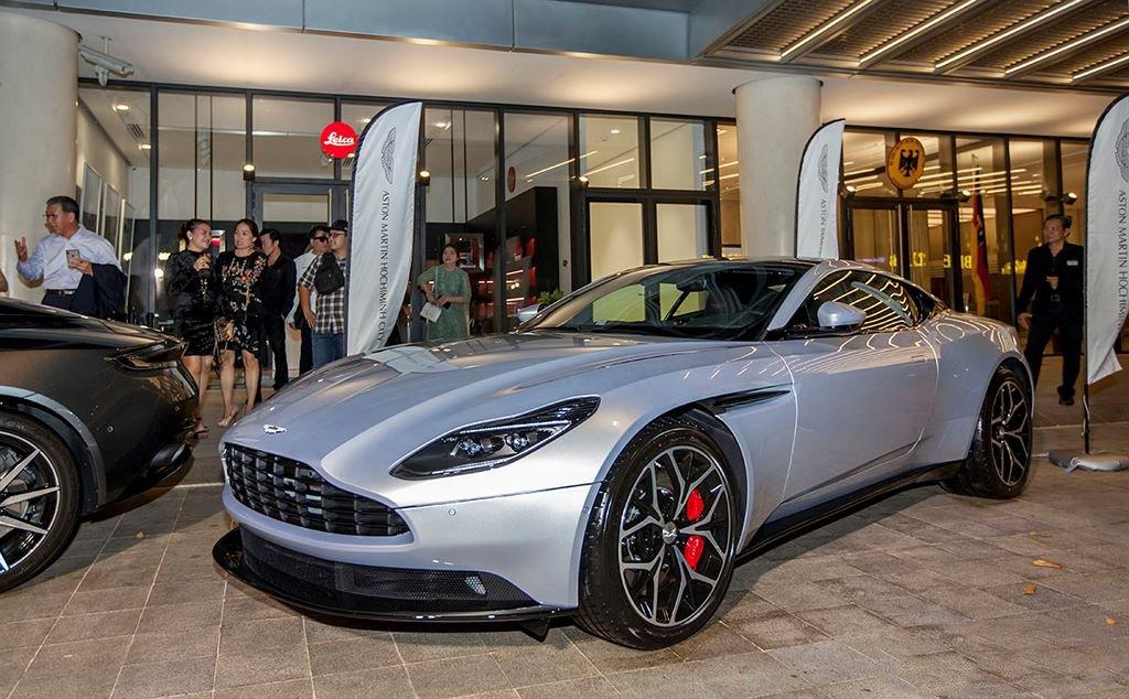 Danh tính 3 đại gia Việt sở hữu siêu xe Aston Martin chính hãng đầu tiên tại Việt Nam1qq1z