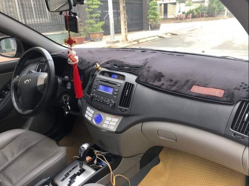 Cần bán lại xe Hyundai Avante 2015, màu trắng số tự động-4