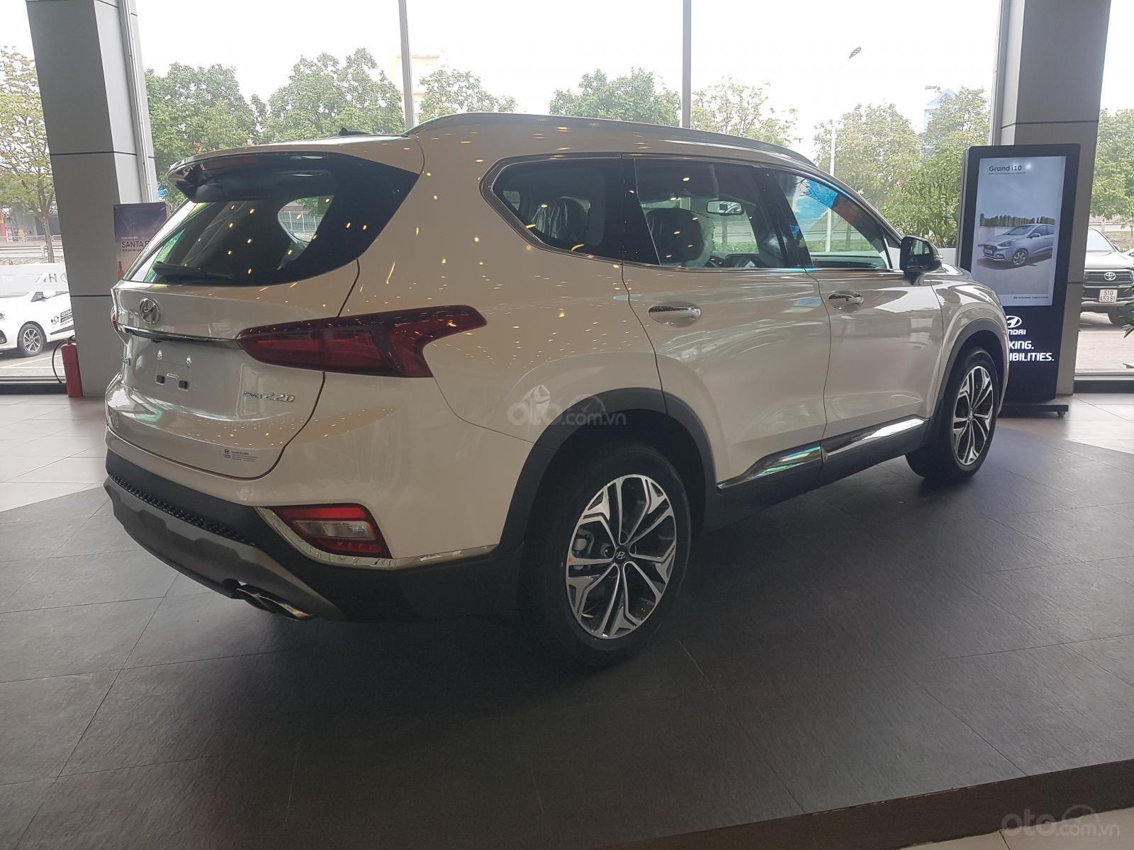 Bán Hyundai Santafe 2019 - Vay 80% - 313tr có xe ngay-3