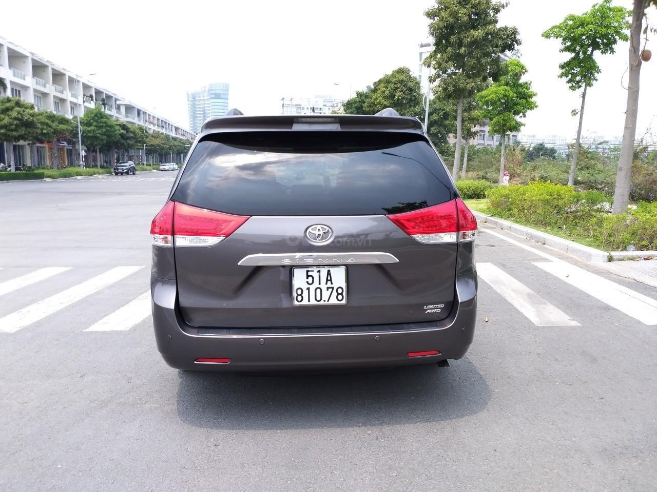 Toyota Sienna hàng Limited model 2014, màu xám, nhập khẩu, cực mới, 2tỷ 490tr-1