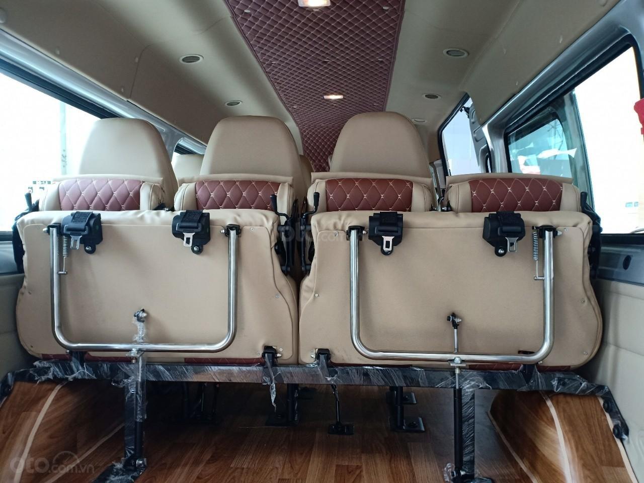 Bán Ford Transit mới, khuyến mãi lên tới 100 triệu, liên hệ Xuân Liên 089 86 89 076 (4)