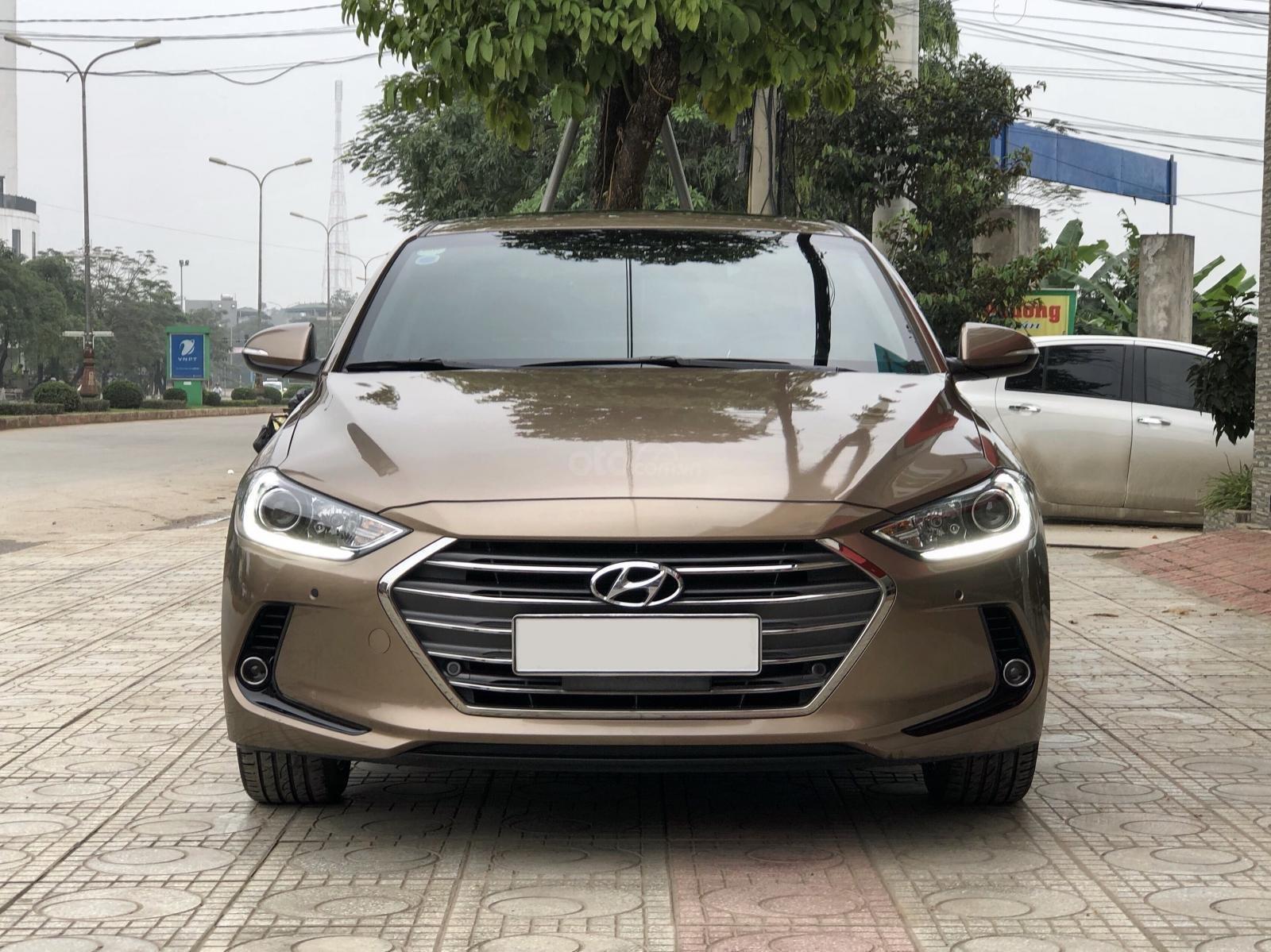 Cần bán gấp Hyundai Elantra 2.0 GLS 2018, màu nâu chính chủ (1)