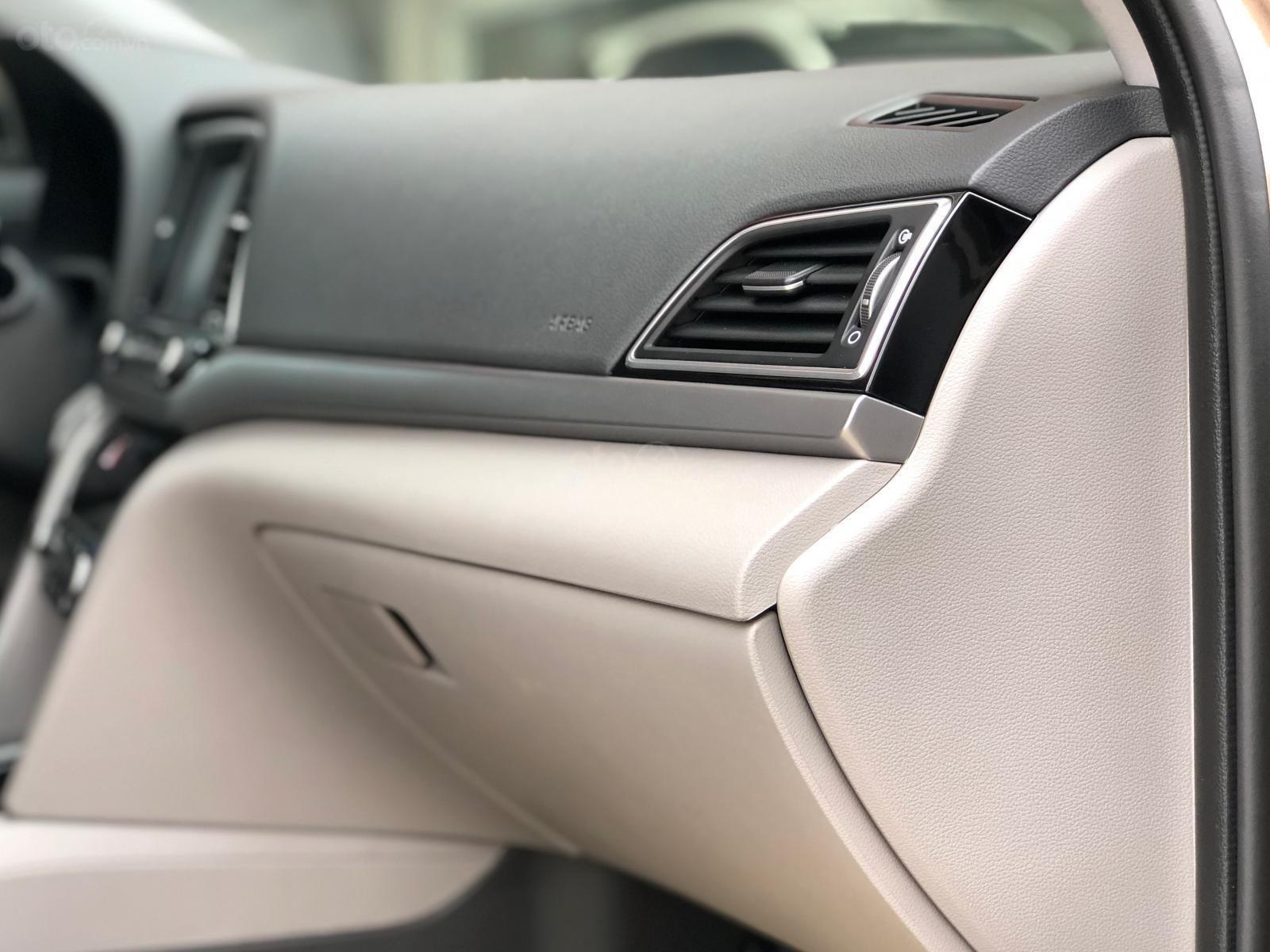 Cần bán gấp Hyundai Elantra 2.0 GLS 2018, màu nâu chính chủ (12)