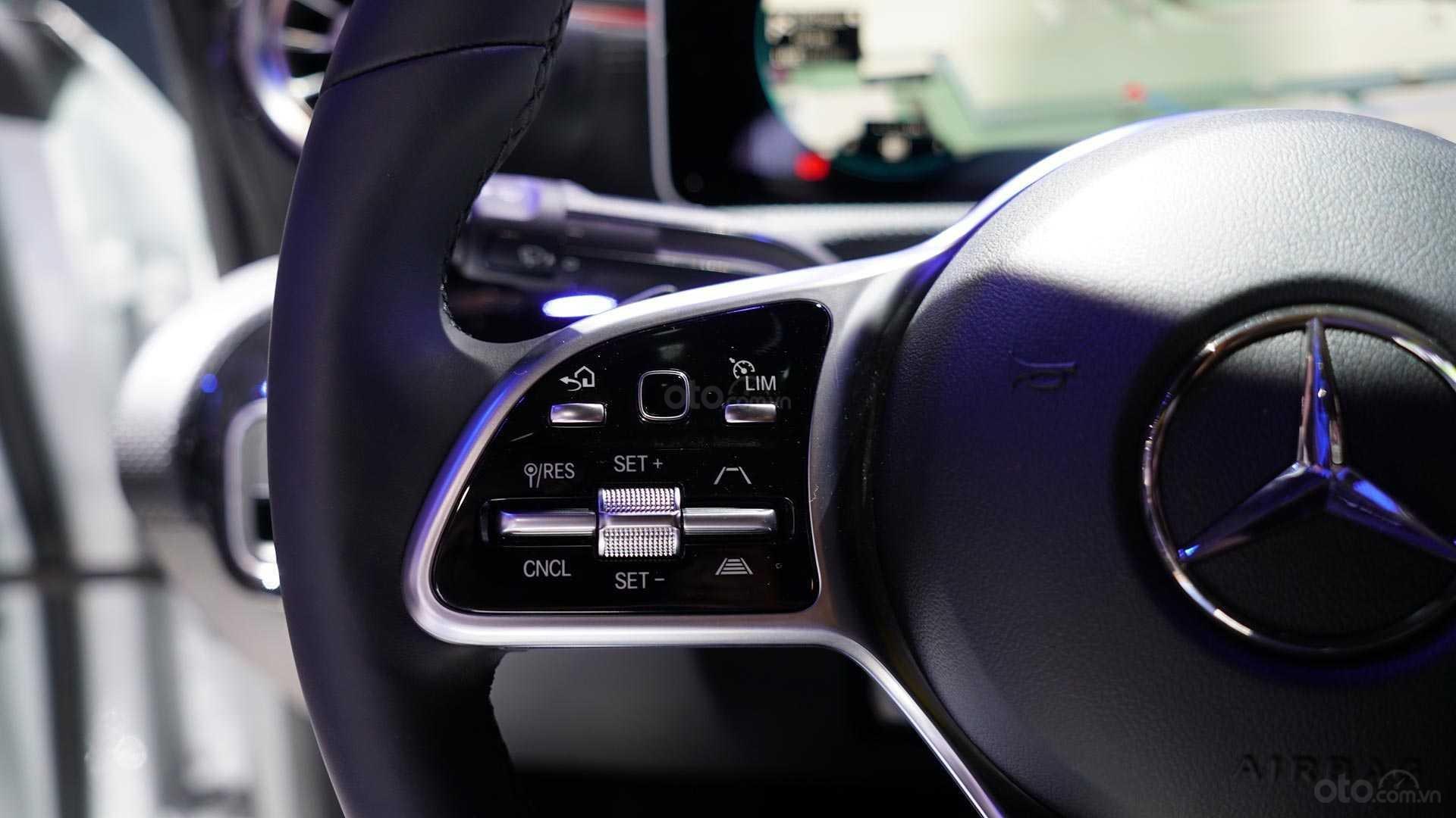 Mercedes-Benz GLA-Class 2020 - cận cảnh vô-lăng