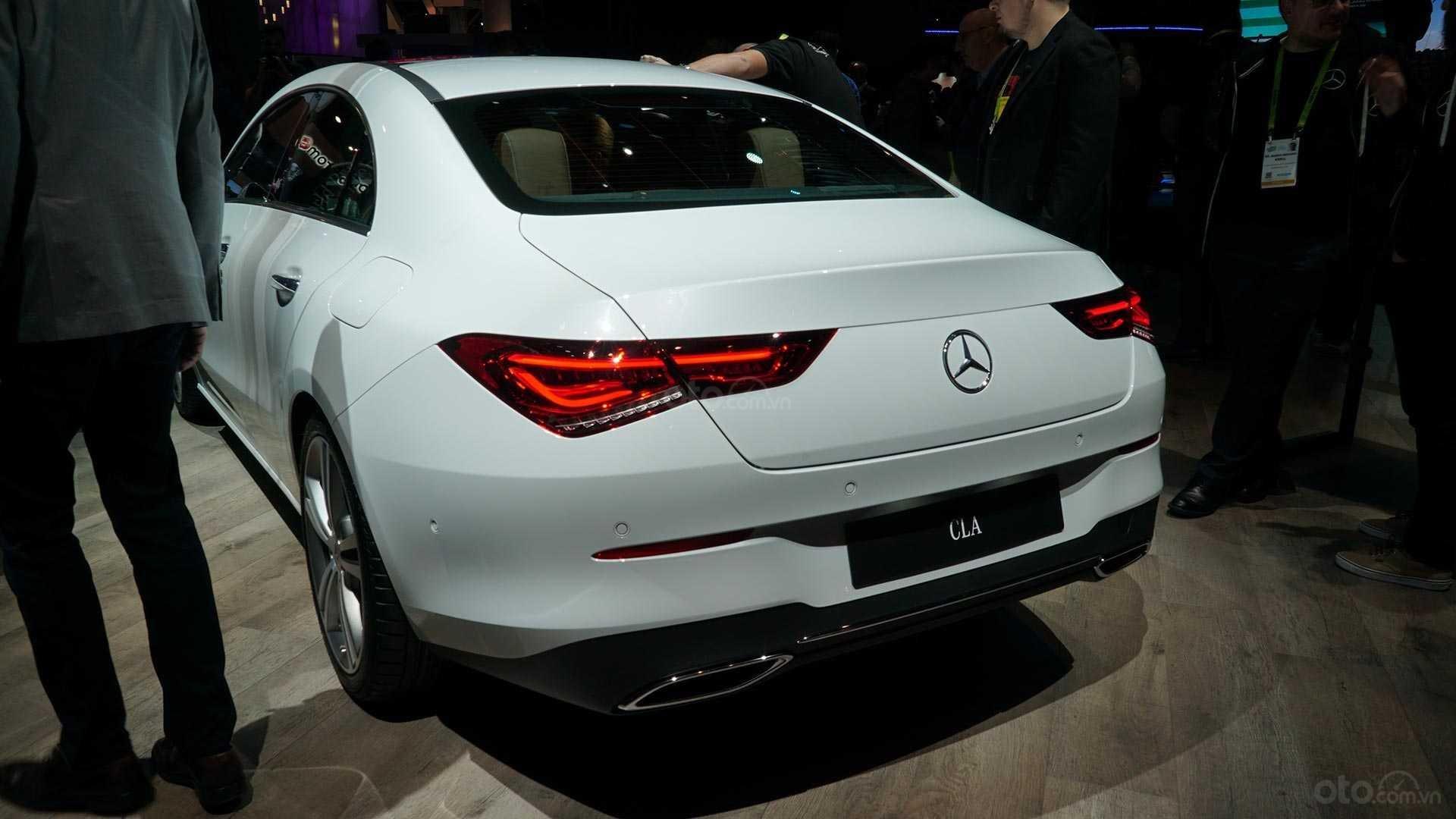 Đánh giá xe Mercedes-Benz CLA-Class 2020 - Bóng đèn LED