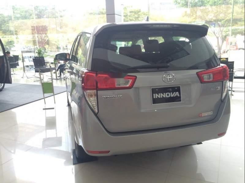 Cần bán Toyota Innova 2.0E MT đời 2019, xe giá thấp, giao nhanh toàn quốc (3)