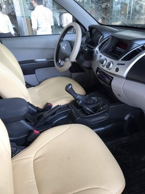 Bán Mitsubishi Triton đời 2011, màu đen xe gia đình, giá chỉ 370 triệu-5