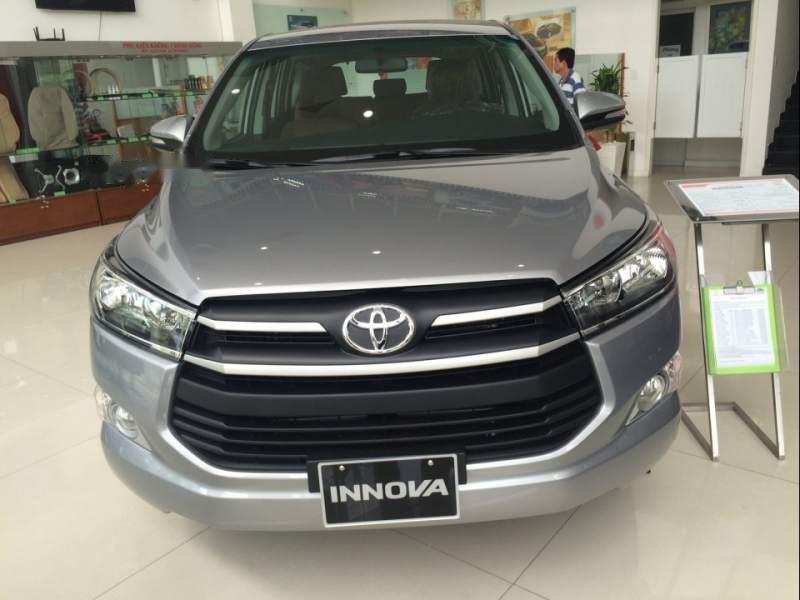 Cần bán Toyota Innova 2.0E MT đời 2019, xe giá thấp, giao nhanh toàn quốc (2)
