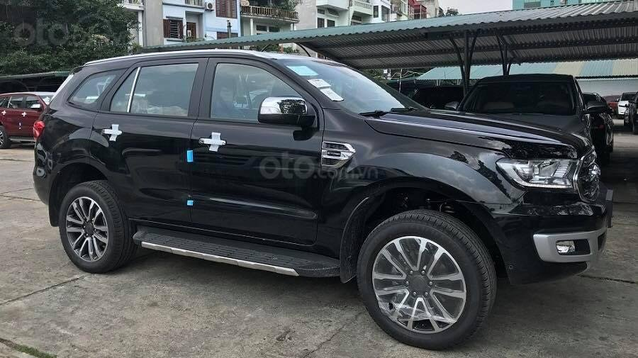 Bán Ford Everest Titanium 4x2 sản xuất 2019 tặng gói phụ kiện lớn, đủ màu giao ngay - LH 0974286009 (1)