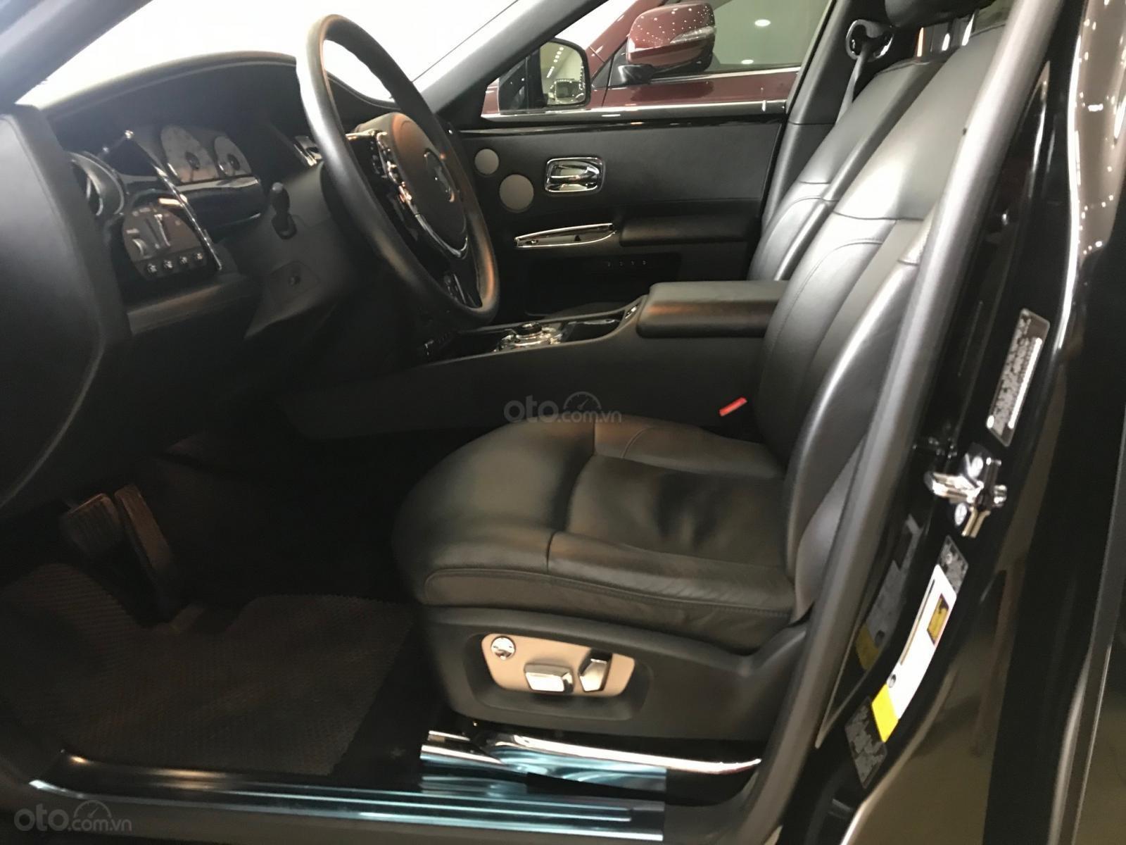 Bán ô tô Rolls-Royce Ghost 2011, màu đen, xe chạy cực ít, siêu đẹp (8)