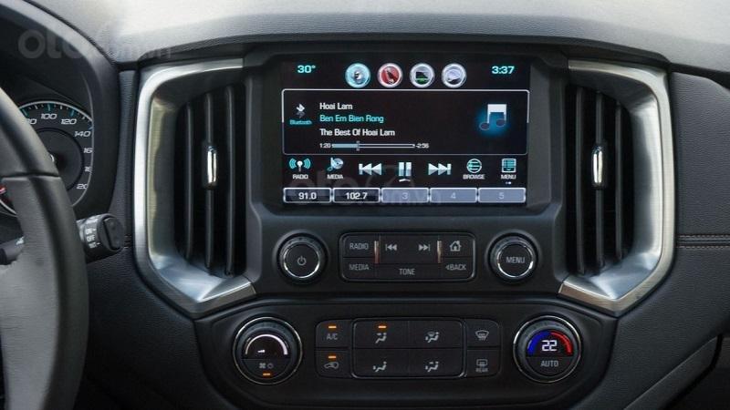 Màn hình thông tin giải trí trên xe Chevrolet Trailblazer 2019...
