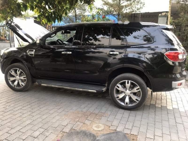 Bán gấp Ford Everest 2016, màu đen, nhập khẩu   (1)
