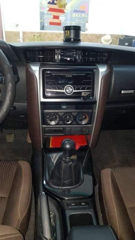 Bán Toyota Fortuner 2017, màu bạc, nhập khẩu-1